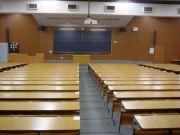 大学の講義で5列目までに座る人
