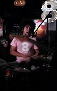 マエノソノ マサキ(drums, vox)