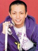 田中の髪は短いボウズ