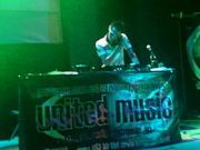 DJ donga