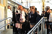 女子高生を神と崇める者の集い