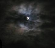 月を撮る者