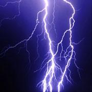 雷が好き。。 稲妻が好き。。