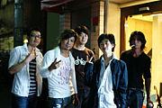 5人組バンド「Genuine」