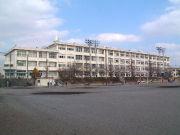 藤沢市立御所見中学校卒業生。