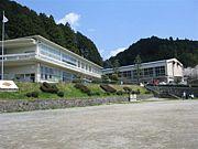 山吉田小学校