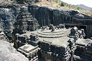 エローラ石窟寺院群