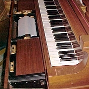 自動演奏ピアノ(機械制御)