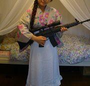 ナース服と機関銃