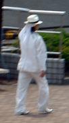 名古屋近郊に出没する謎の白い人