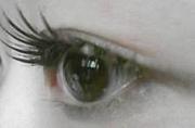 つけまつげで二重瞼♪