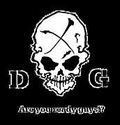 【D G】