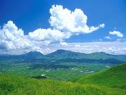 山と空、高原と空。
