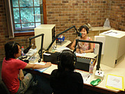 4EB-FM 98.1 日本語のラジオ番組