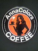 Anna colors coffee