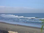 ペルーでサーフィン