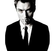 スーツで煙草