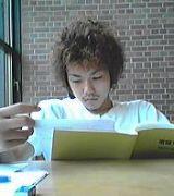 テスト前は図書館一階芝生側。