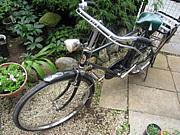 自転車はブレーキ音がベル代わり
