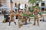 Trekking Musicians