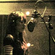 女性ボーカルをプロデュース