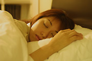 布団の冷たいとこ移動しつつ眠る