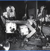 ドラムにダイブしたい