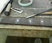 ギターのリペア(修理)承ります