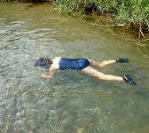死体 ニュース 水 松尾スズキが西日本新聞で連載エッセイ開始 少年時代綴る『少年水死体事件』