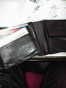 財布がバッチィ