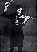 ヴァイオリンを演奏し愛する人。