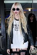 Taylor Momsenのファッション☆