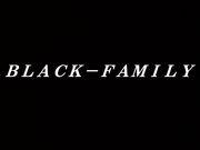 BLACK−FAMILY