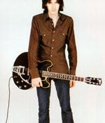 かっこいいギタリストは内股