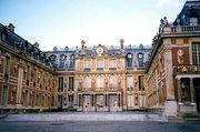 実家がヴェルサイユ宮殿