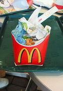 マックのゴミは全てポテト箱へ
