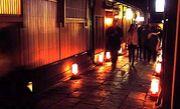 祇園のクラブで飲む関係者の会