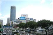 新横浜で働く人たち